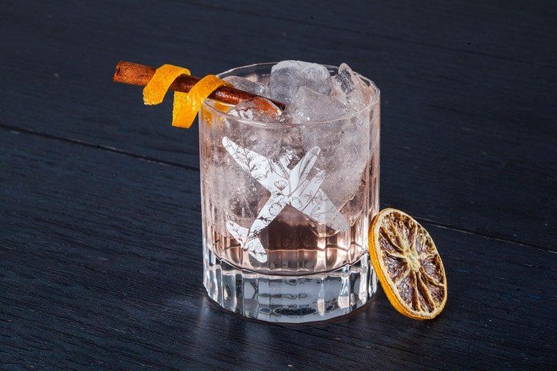 Miksologija, Old Pilot's Gin